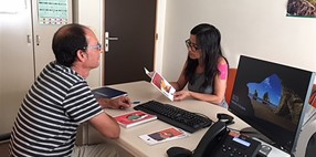 Consulta de atención entre iguales para pacientes con VIH