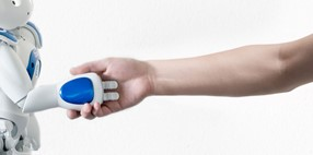 Utilización de robot humanoide para mejorar la atención al paciente